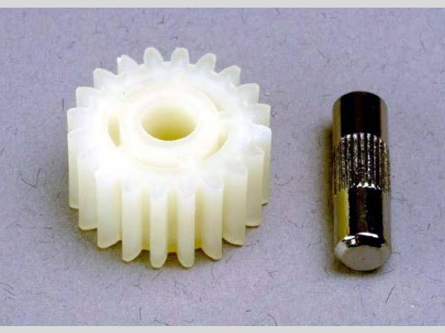 Traxxas Idler Gear 20T & Shaft