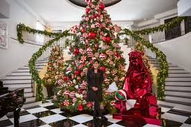 Frontgate Christmas Trees by Get The Look Kris Jenner U0027s Christmas Decor Photos Architectural