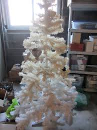 Pea Ridge Christmas Tree Farm by Why Oh Why Did Our Christmas Tree Turn Yellow U2013 The Home Tome