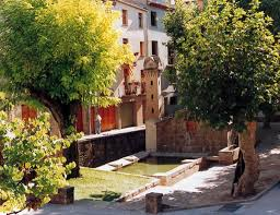 Plaça de la Font de la vila de Torà per Teresa Grau Ros