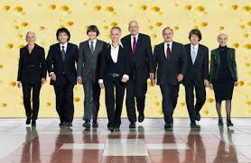 damen und diplomatenINNEN, welcome!