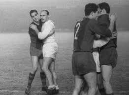 Historia de los clasicos Real Madrid Vs Barcelona-http://t2.gstatic.com/images?q=tbn:ANd9GcRwgtmrKkBmkSXdSMg6MvzV8IIoSkbrevSOiwQMfn5p3KTdPhSJqvWV2C5ODQ
