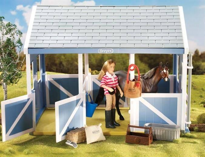 Breyer Classics Stable Feeding Horse Accessories Playset