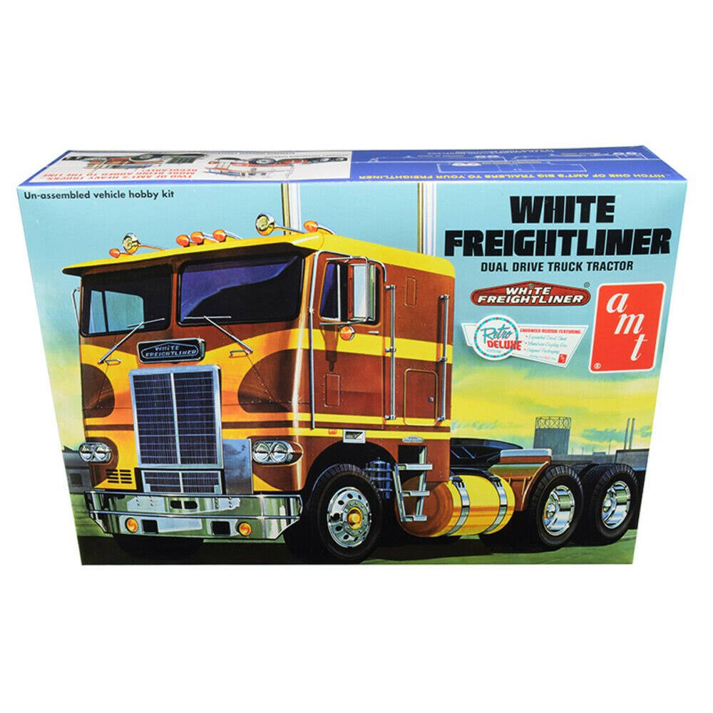 AMT AMT620 1/25 Freightliner Dual Drive Tractor, White