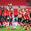 Southampton đè bẹp đội bét bảng Ngoại hạng Anh