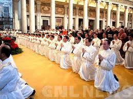 растет количество священников и семинаристов