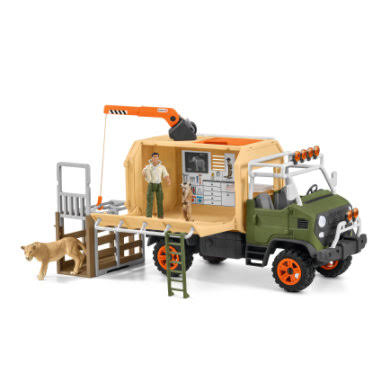 Schleich Wild Life Animal Rescue Large Truck with Toy Figures & Accessories 42475