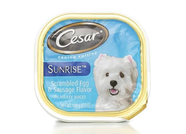 Cesar Sunrise Dog Food - Breakfast Scrambled Egg and Sausage Flavor in Meaty Juices, 3.5oz