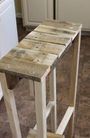 remodelaholic build a pallet table for under 10