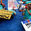 Texas judge orders feds to stop granting new DACA applications