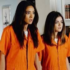 Pll Halloween Special by Pretty Little Liars Halloween Costume Ideas Popsugar Entertainment