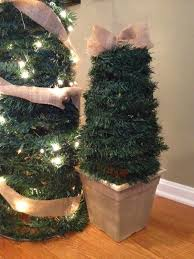 Pine Cone Christmas Trees For Sale by Two It Yourself Large Diy Outdoor Christmas Trees From Tomato Cages
