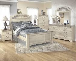 Coal Creek Bedroom Set by Catalina 5 Pc Bedroom Dresser Mirror U0026 Queen Poster Bed B196