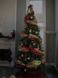 Kinds Of Christmas Trees by How To Decorate The Perfect Christmas Tree Using Wide Ribbon
